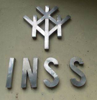 INSS_de_metal wikimedia MADRE MIA