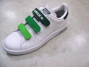Sneakers_velcro WIKIMEDIA COMMONS